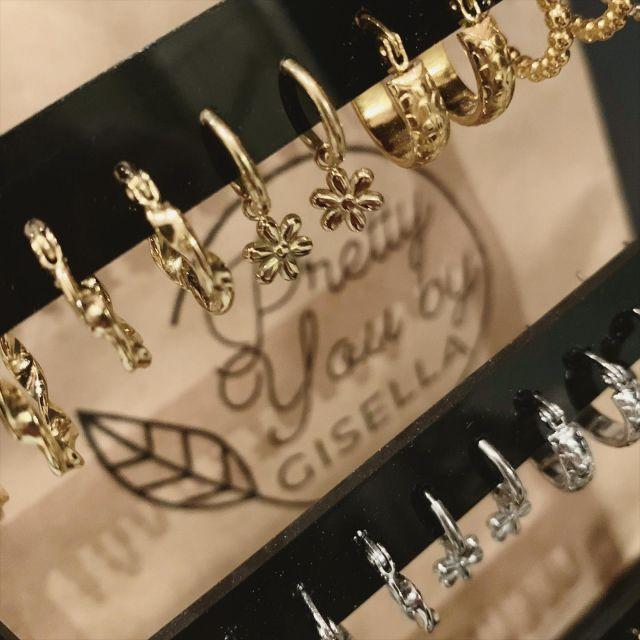 Ook voor de kleintjes moet je bij @prettyyou_bygisella zijn!   #littleearrings #stainlesssteel #earrings #earringslover #jewellery #jewelry #sieradenboutique #sieradenwebshop #sieradenonline #sieradenlove #kleineoorbellen
